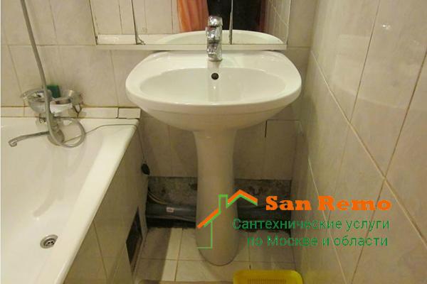 Установка раковины, цена в Москве, стоимость работ по монтажу умывальника со смесителем в ванной или на кухне