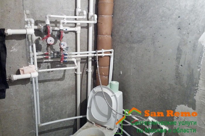 Разводка и монтаж труб в туалете, цены в Москве на San-Remo77.ru